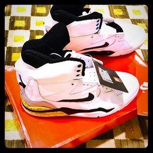 527c299f40ea Men s Nike Pump Shoes on Poshmark